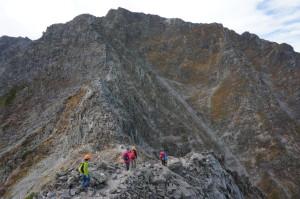 涸沢岳への緊張の縦走路